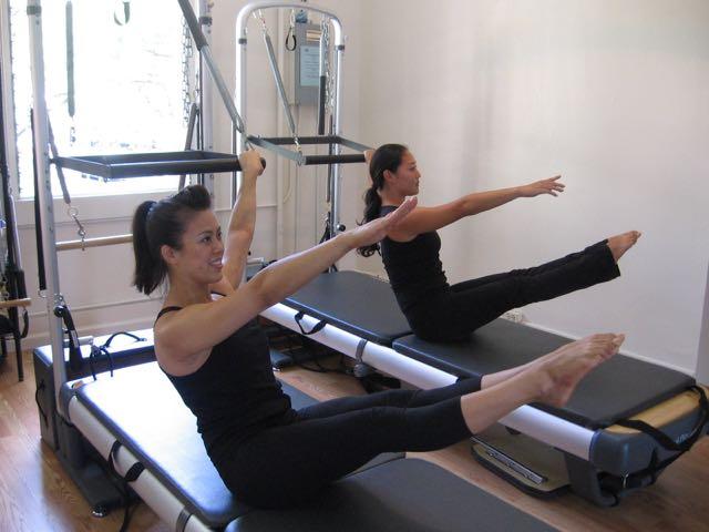 Side Body Twist on Cadillac_Upside-Down Pilates_Pilates Hawaii_Pilates Honolulu