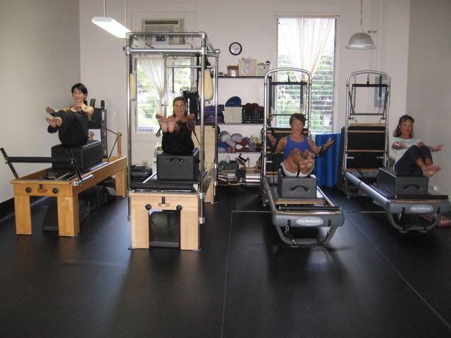 Teaser Series (Arms Reaching)_Upside-Down Pilates_Pilates Hawaii_Pilates Honolulu