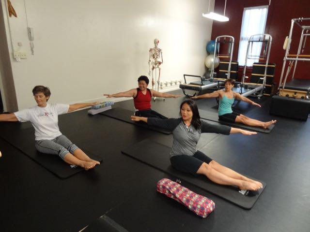 Side Twist_Upside-Down Pilates_Pilates Hawaii_Pilates Honolulu